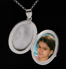 Large Sterling Silver Oval Picture Locket photo 1